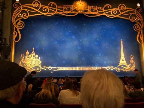 Broadhurst Theatre, secção: Orchestra C, fila: L, lugar: 104