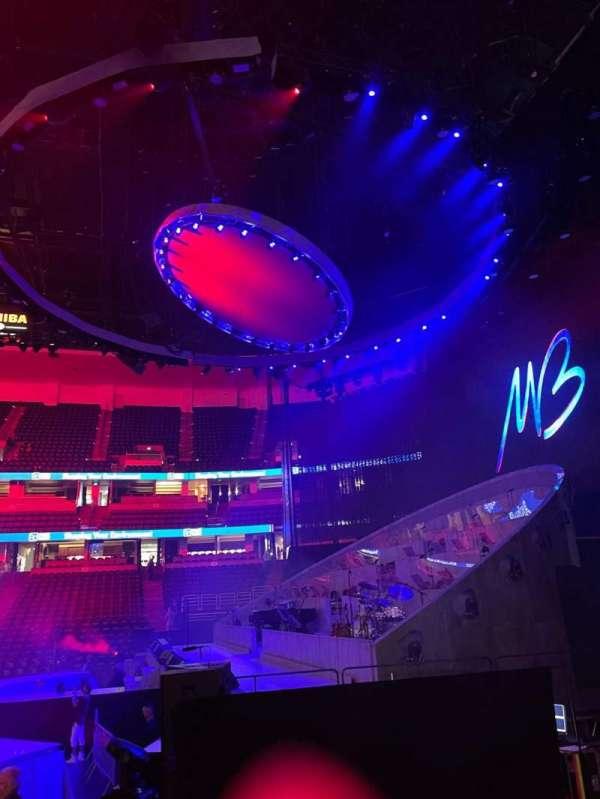 Honda Center, secção: 220, fila: G, lugar: 3