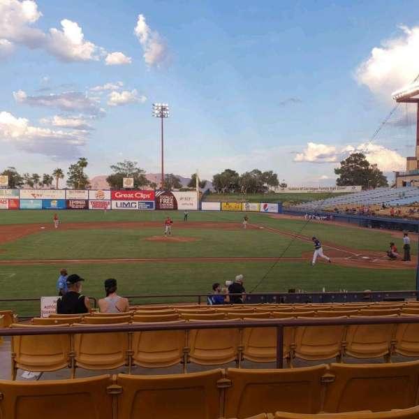 Cashman Field, secção: 8, fila: L