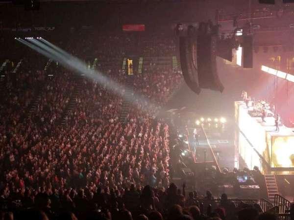 MGM Grand Garden Arena, secção: 216, fila: J