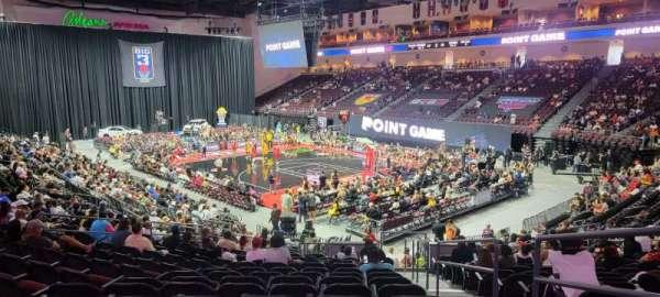 Orleans Arena, secção: 113, fila: P, lugar: 1