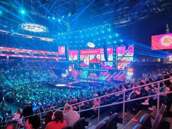 T-Mobile Arena, secção: 14, fila: U, lugar: 15