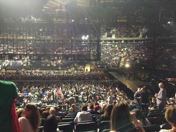 Madison Square Garden, secção: 108, fila: 17, lugar: 15