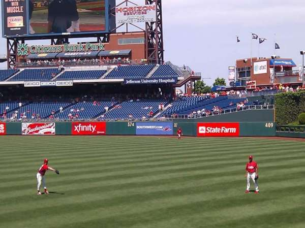 Citizens Bank Park, secção: 107, fila: 13, lugar: 4
