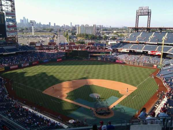 Citizens Bank Park, secção: 422, fila: 14, lugar: 8