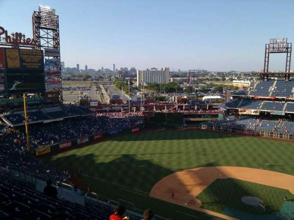 Citizens Bank Park, secção: 424, fila: 16, lugar: 4