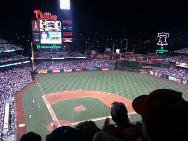 Citizens Bank Park, secção: 418, fila: 13, lugar: 12