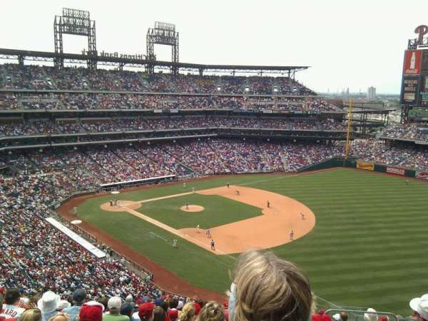 Citizens Bank Park, secção: 310, fila: 15, lugar: 6