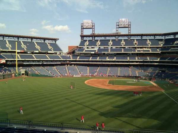 Citizens Bank Park, secção: 242, fila: 9, lugar: 12