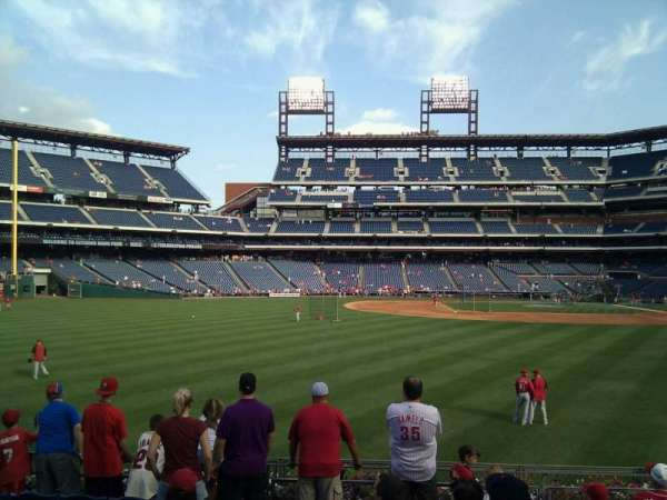 Citizens Bank Park, secção: 144, fila: 9, lugar: 12