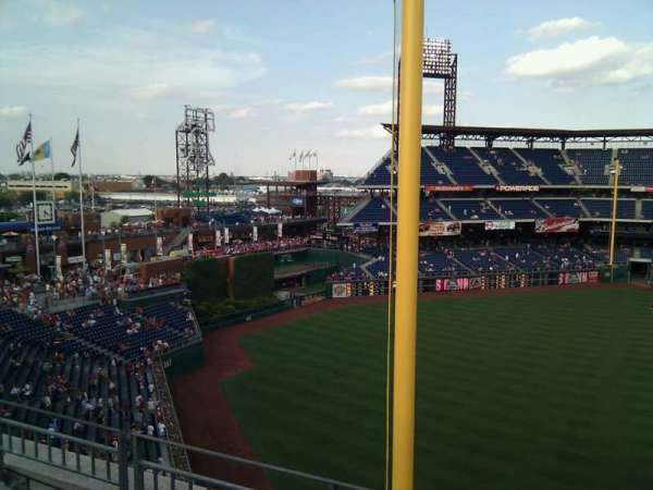 Citizens Bank Park, secção: 333, fila: 3, lugar: 21