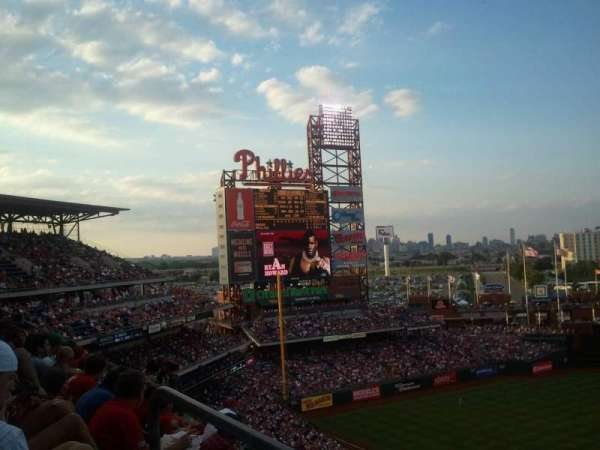 Citizens Bank Park, secção: 424, fila: 5, lugar: 7