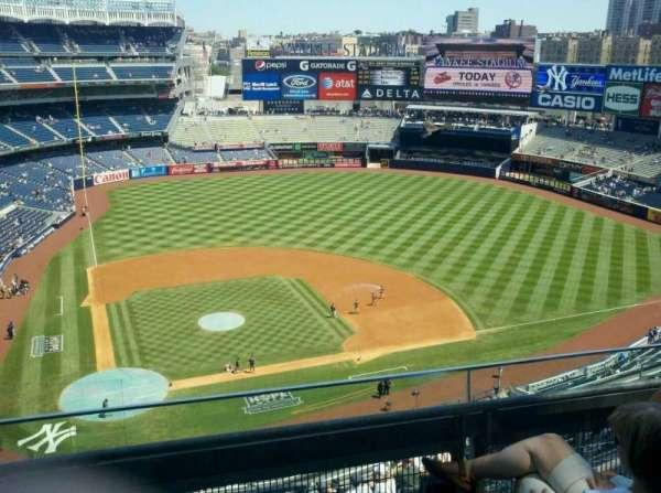 Yankee Stadium, secção: 418, fila: 3, lugar: 5
