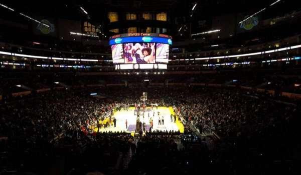 Staples Center, secção: 216, fila: 12, lugar: 20-21