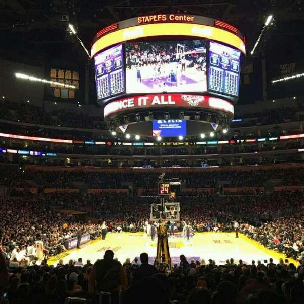 Staples Center, secção: 115, fila: 13, lugar: 25