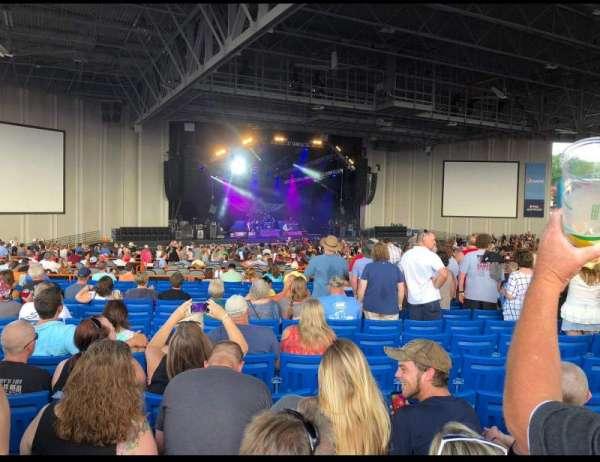 PNC Music Pavilion, secção: 8, fila: W, lugar: 10 and 11