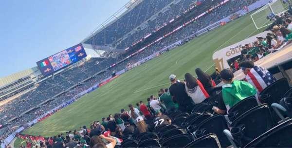 Soldier Field, secção: 101, fila: 13, lugar: 1