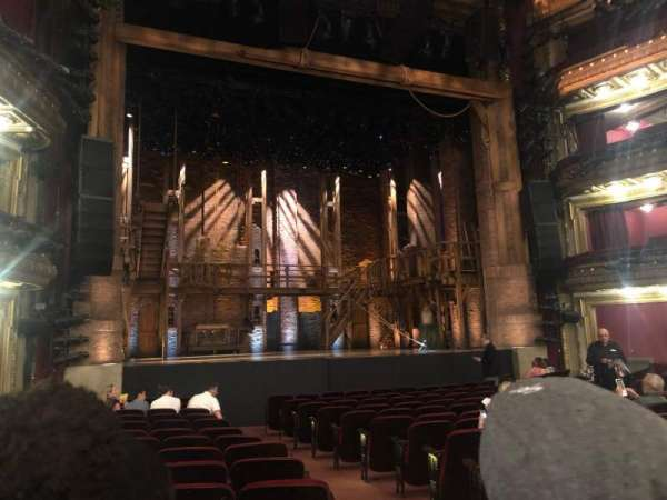 CIBC Theatre, secção: Orchestra L, fila: Q, lugar: 1/3