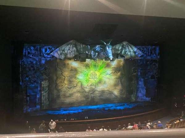 Ovens Auditorium, secção: Grand Tier Center Right, fila: AA, lugar: 111