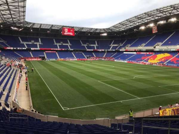 Red Bull Arena (New Jersey), secção: 104, fila: 17, lugar: 5