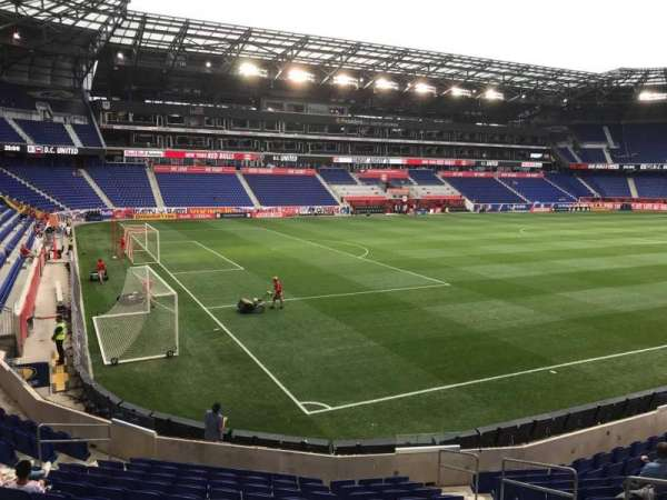 Red Bull Arena (New Jersey), secção: 130, fila: 13, lugar: 6