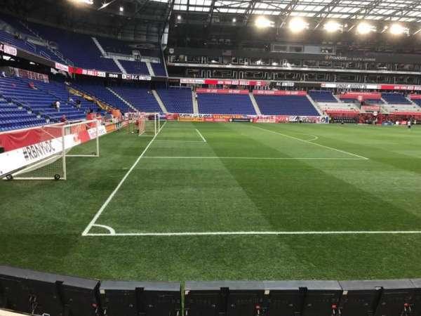 Red Bull Arena (New Jersey), secção: 129, fila: 4, lugar: 8