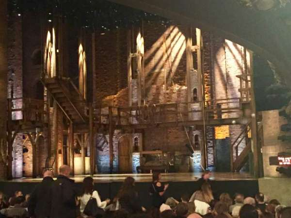 CIBC Theatre, secção: Orchestra R, fila: T, lugar: 16