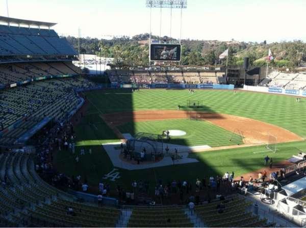 Dodger Stadium, secção: 4RS, fila: A, lugar: 17