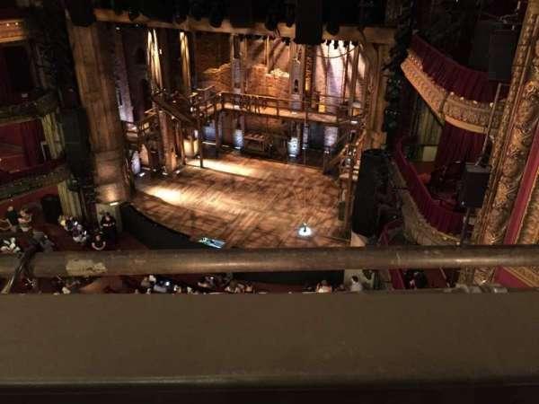 CIBC Theatre, secção: Balcony R, fila: 1, lugar: 4