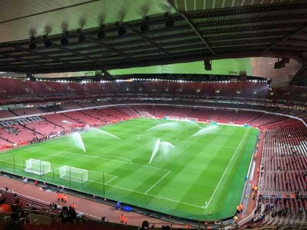 Emirates Stadium, secção: 120, fila: 20, lugar: 822