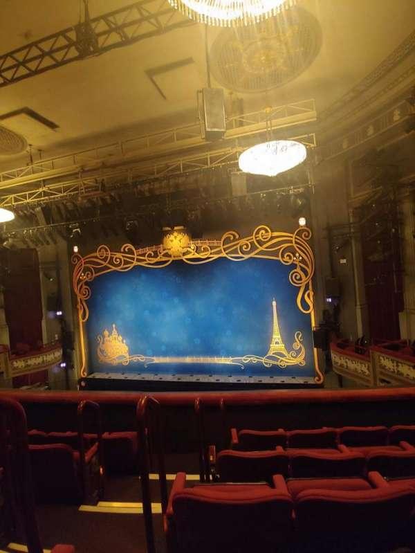 Broadhurst Theatre, secção: Mezzanine R, fila: E, lugar: 4