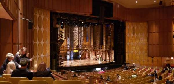 Fisher Theatre, secção: MZLT, fila: FF, lugar: 65