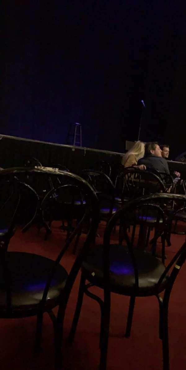 Wilbur Theatre, secção: C, fila: 3, lugar: 4