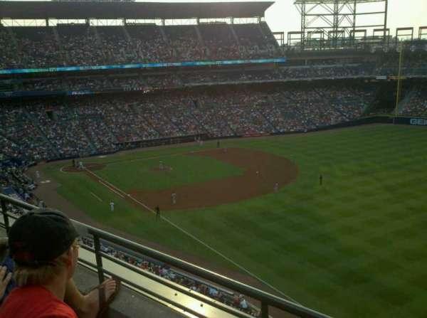 Turner Field, secção: 425, fila: 2, lugar: 106