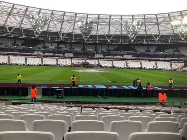 London Stadium, secção: 135, fila: 14, lugar: 274