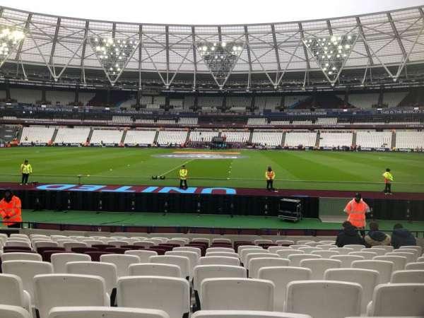 London Stadium, secção: 136, fila: 12, lugar: 244