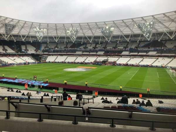 London Stadium, secção: 240, fila: 35, lugar: 319