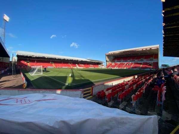 Pittodrie Stadium, secção: Y, fila: H, lugar: 278