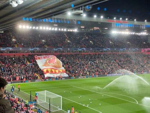 Anfield, secção: 221, fila: 3, lugar: 23