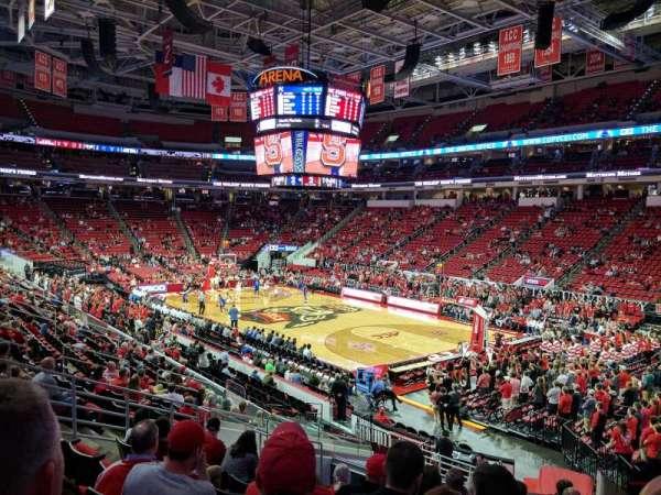 PNC Arena, secção: 115, fila: W, lugar: 4