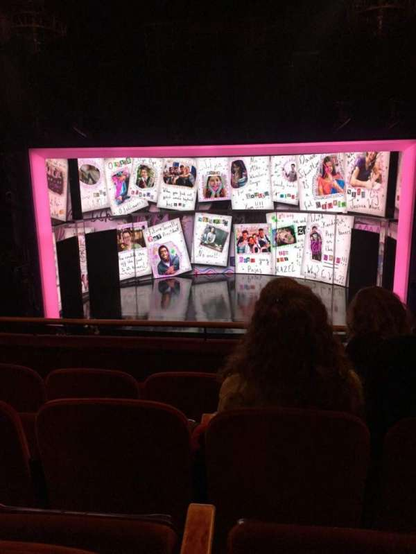 August Wilson Theatre, secção: Mezzanine C, fila: D, lugar: 104