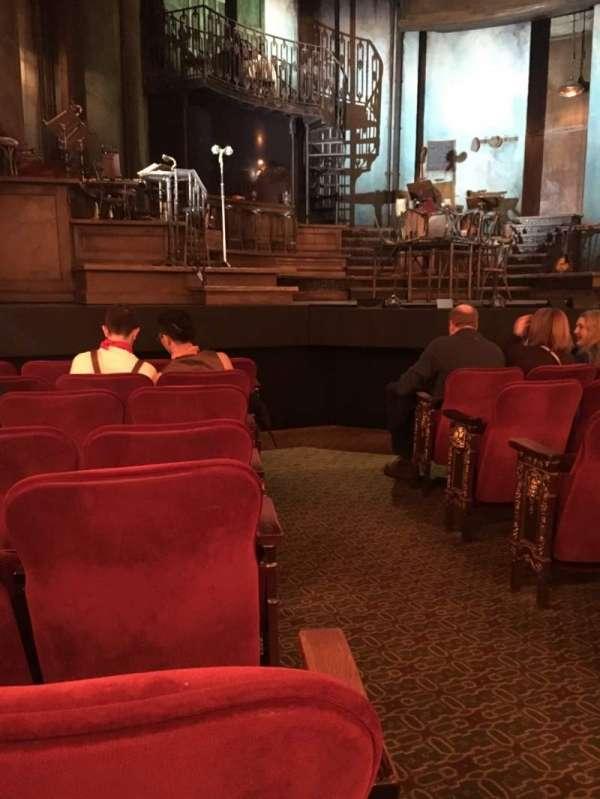 Walter Kerr Theatre, secção: Orchestra L, fila: H, lugar: 1