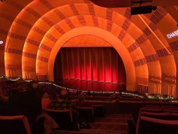 Radio City Music Hall, secção: 2nd Mezzanine 1, fila: F, lugar: 110