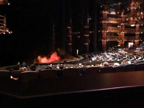 KÀ Theatre - MGM Grand, secção: 201, fila: BB, lugar: 1