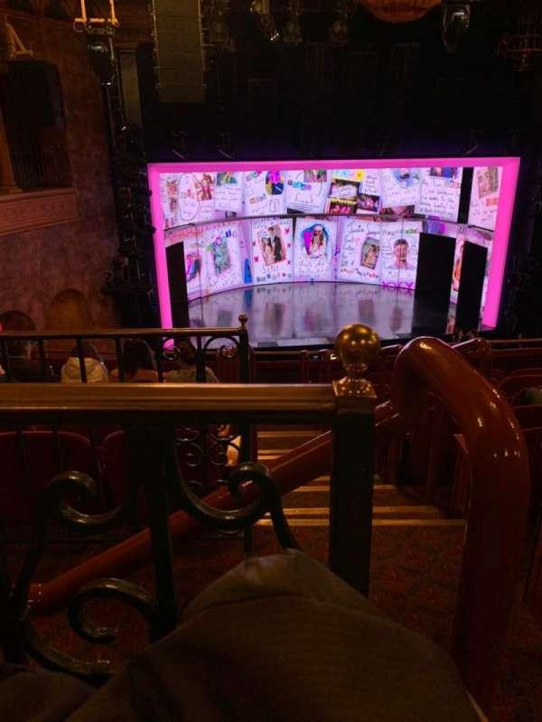August Wilson Theatre, secção: MEZZL, fila: H, lugar: 1