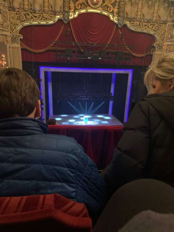 James M. Nederlander Theatre, secção: Balcony LC, fila: F, lugar: 327