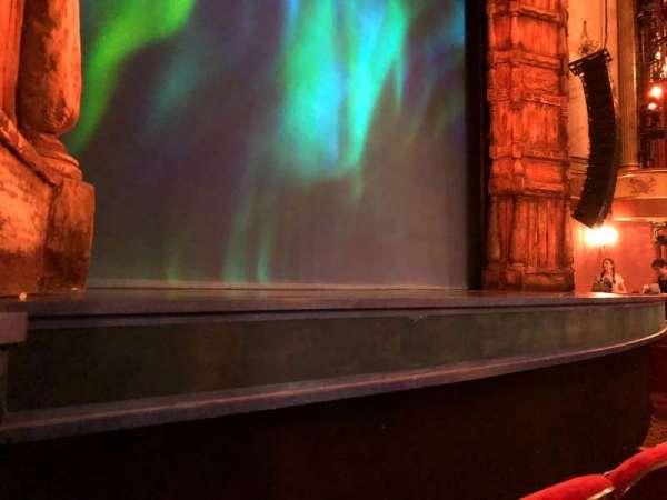 St. James Theatre, secção: Orchestra L, fila: BB, lugar: 9