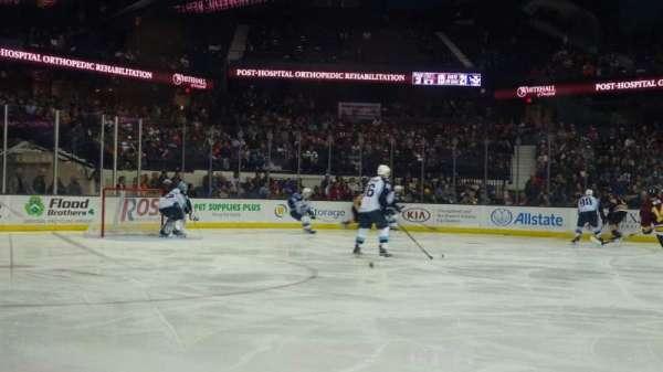 Allstate Arena, secção: 103, fila: AA, lugar: 18