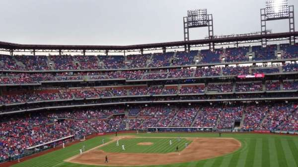 Citizens Bank Park , secção: 201, fila: 11, lugar: 23