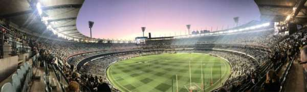 Melbourne Cricket Ground, secção: Q5, fila: H, lugar: 13